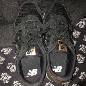 New balance sneakers rose gold and black sz10